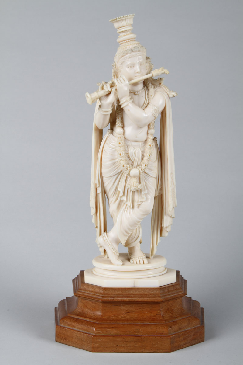 carved ivory indian figure. Sold £250.jpg