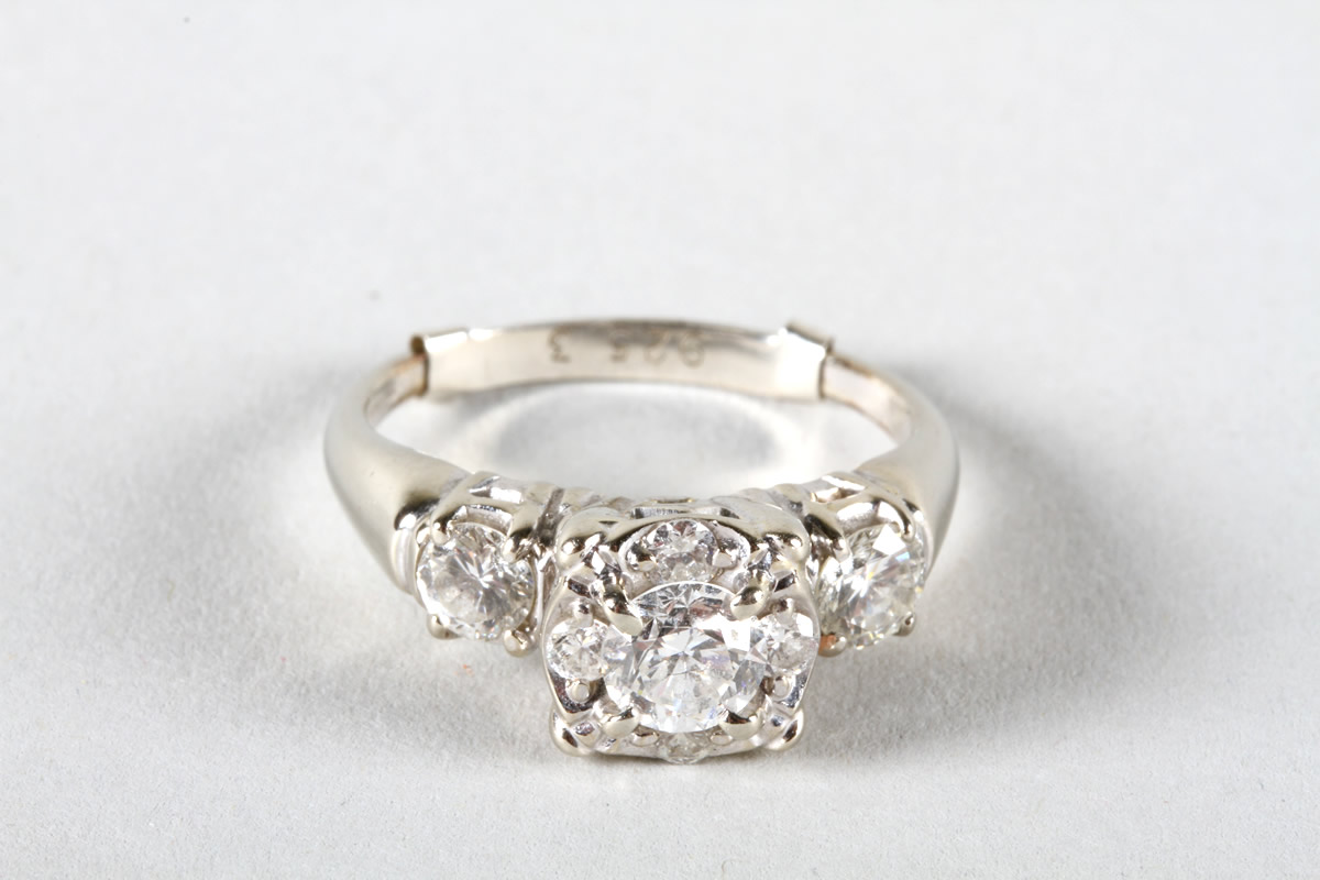 14 carat gold ring, cluster of five diamonds, Realised £850.jpg