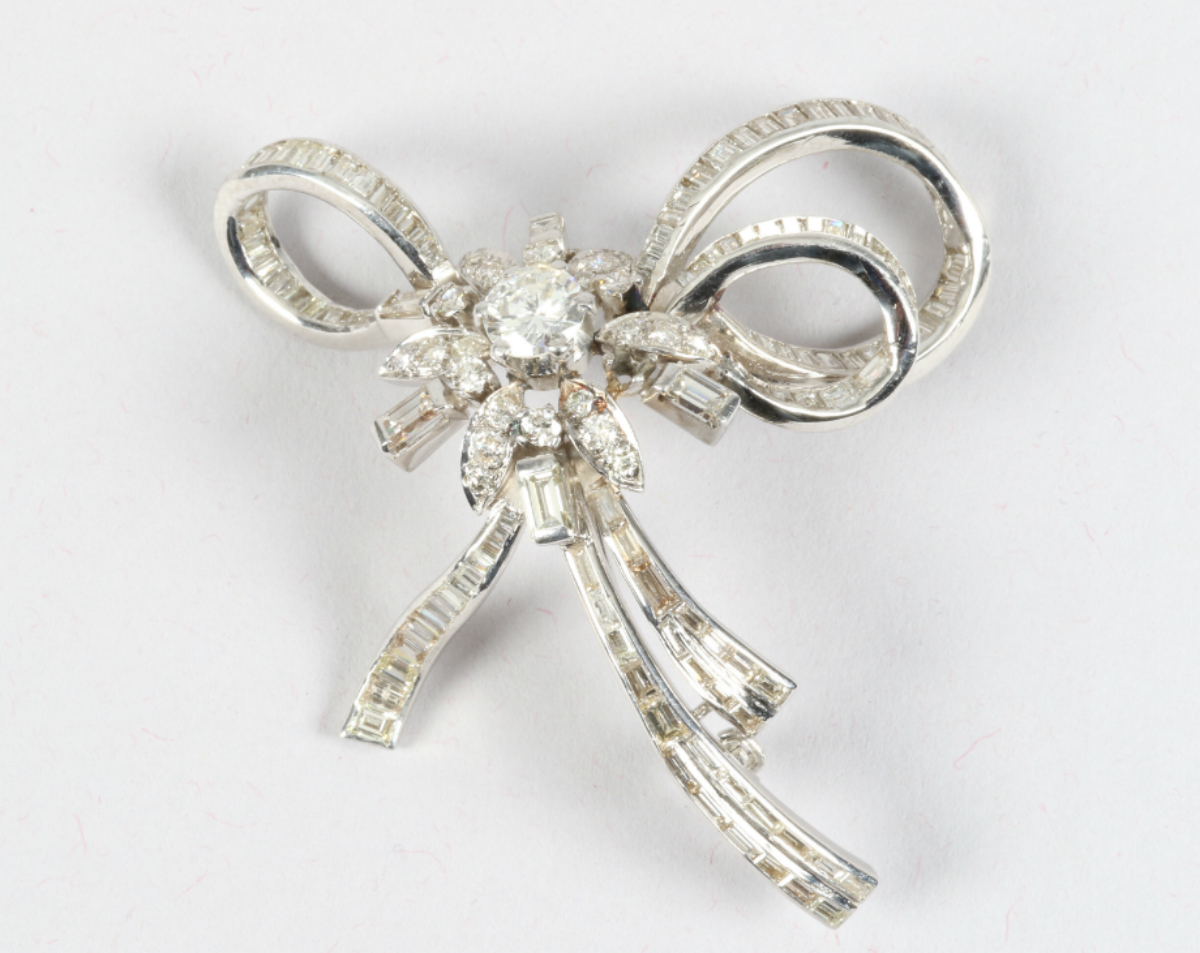 Diamond encrusted brooch, sold £3120