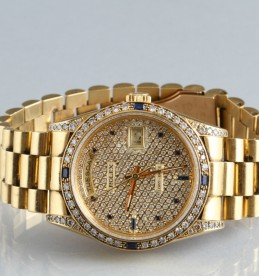 Gents 18K gold day-date Rolex wrist watch, sold £6200