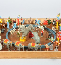Boxed Toy lead circus ring and 108 figures, sold £340