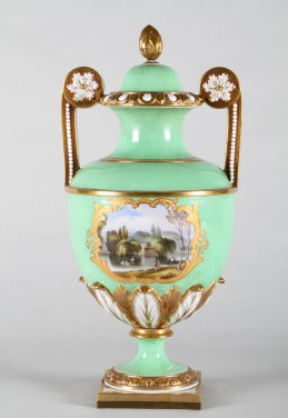 Large Flight Barr & Barr twin handled vase, Sold £2,200.jpg