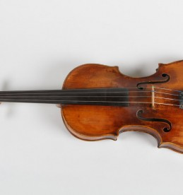 18th Century violin, Realised £3,000.jpg